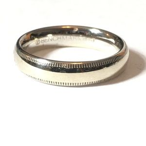 SOLID WHITE GOLD BAND WITH MILGRAIN EDGE